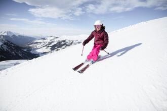 Cum să reziști mai bine la frig atunci când mergi la schi