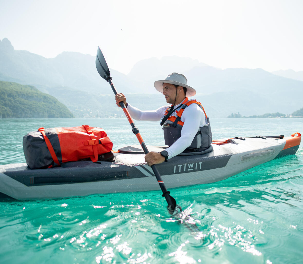 hold paddle kayak