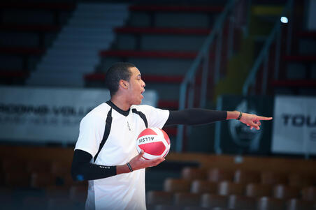 V900 Volleyball