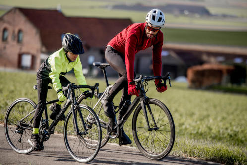 cykla-på-landsväg-med-barn