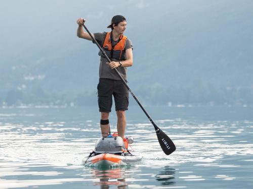 Come scegliere la pompa per lo Stand Up Paddle (SUP) gonfiabile?   DECATHLON