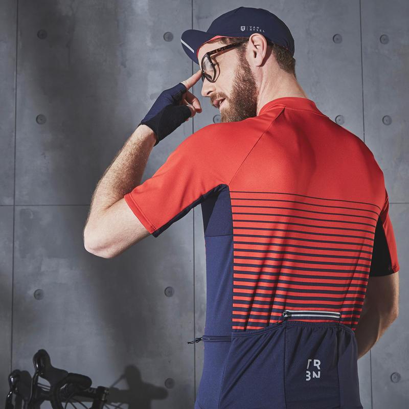 เสื้อแขนสั้นผู้ชายสำหรับปั่นจักรยานในสภาพอากาศอบอุ่นรุ่น RC100 (สีแดงลายทาง)
