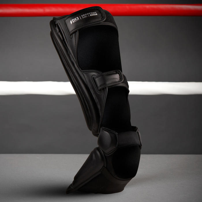Adult Kickboxing/Muay-Thai Shin-Foot Guard 900 - Black.