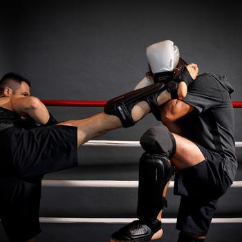 Adult Kickboxing/Muay-Thai Shin-Foot Guard 900 - Black.