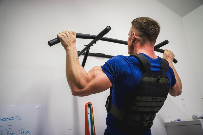 Strength Training Pull-Up Bar 900 - Black