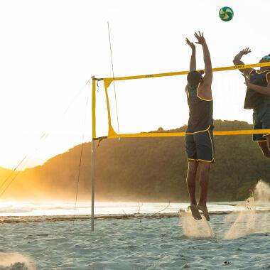 Come equipaggiarsi per praticare beach-volley?