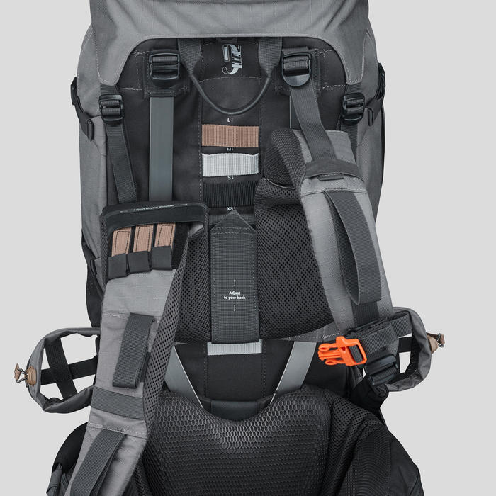 Sac à dos de trekking en montagne homme - TREK 900 Symbium - 50+10L Gris clair