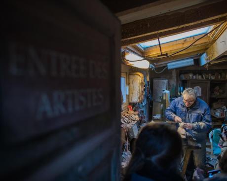 Dans l'atelier du sculpteur sur bois animalier Christian Belmas