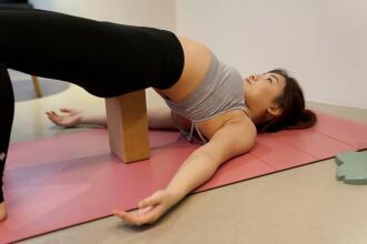 yoga pose1