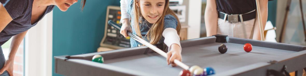jouer au billard avec les enfants