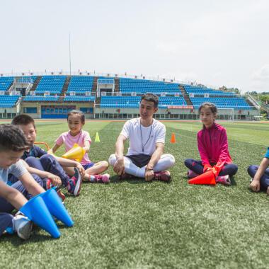 Wie führt man ein Kind an Sport heran?
