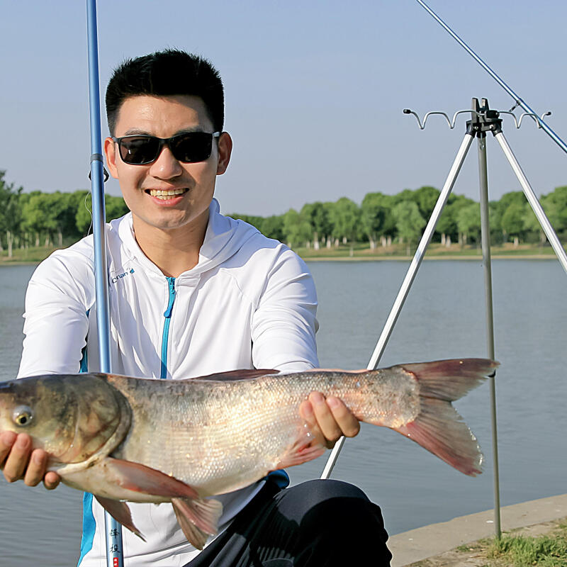 How best to handle white fish?