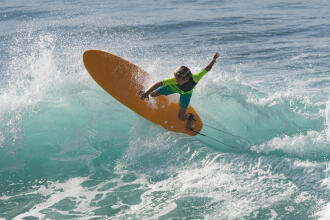 Come scegliere la wax per la tavola da surf   DECATHLON