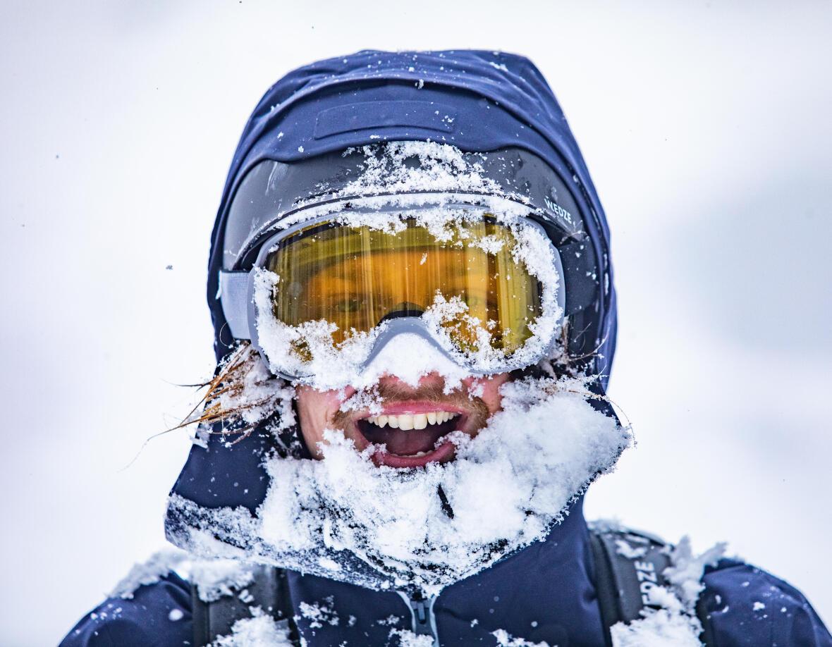 CUM SĂ ALEGI OCHELARII DE SCHI SAU SNOWBOARD