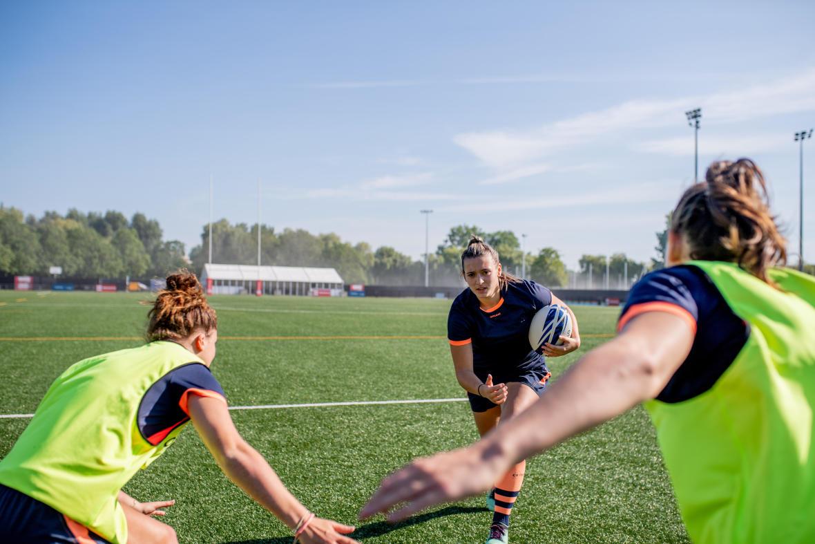 conseils-comment-prévenir-les-blessures-rugby-épaules-casque-offload