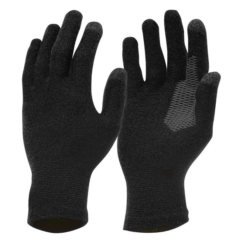 Turistické spodní bezešvé rukavice Trek 500 černé