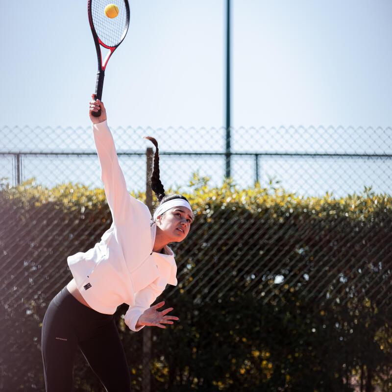 Comment bien servir au tennis ?