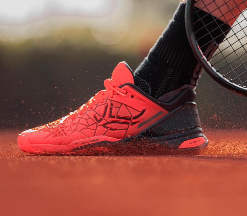 tennis-quelles-differences-entre-la-terre-battue-et-le-gazon