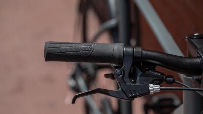 nl_bg_vervangen_handvatten_fiets_btwin.jpg
