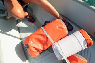 Tutto l'occorrente al riparo sul kayak   DECATHLON