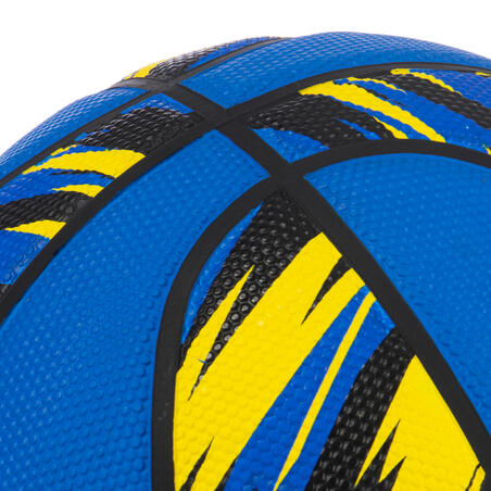 Kids' Size 5 (Up to 10 Years) Beginner Basketball R500 - Blue.