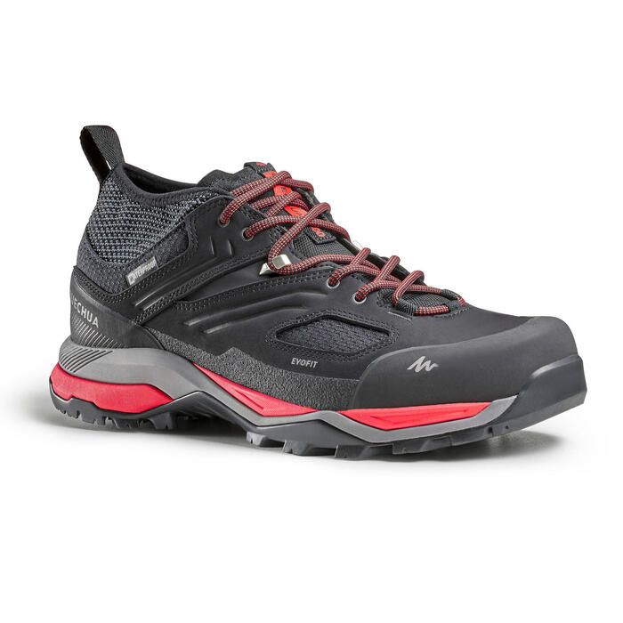 Men's waterproof mountain hiking shoes - MH900 - Black/Red