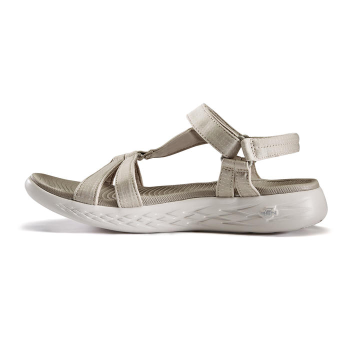 Chaussures marche sportive femme Sandales Skechers beige