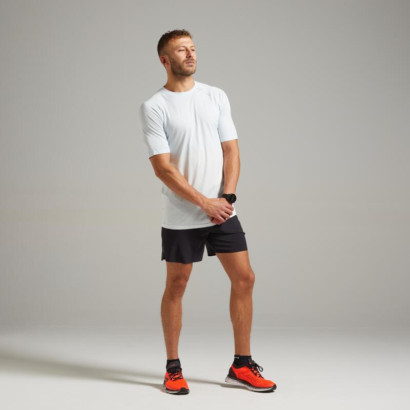 เสื้อยืดผู้ชายระบายอากาศได้ดีสำหรับใส่วิ่งรุ่น Kiprun Care (สีขาว)