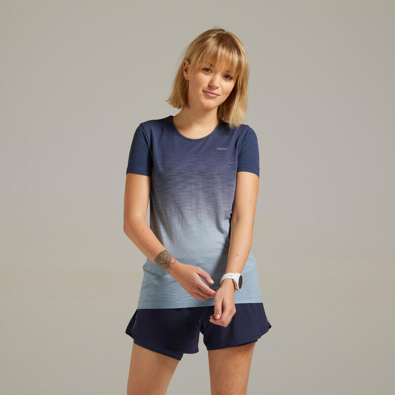 Camiseta Running Kiprun Care Mujer Azul Gris Transpirable