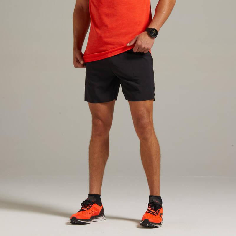 PÁNSKÉ BĚŽECKÉ OBLEČENÍ NA BĚH PO SILNICI Běh - KRAŤASY LIGHT ČERNÉ  KIPRUN - Běžecké oblečení