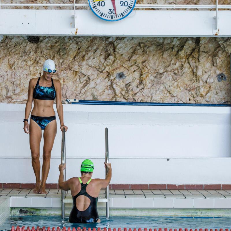 Obtenir des abdos en béton grâce à la natation