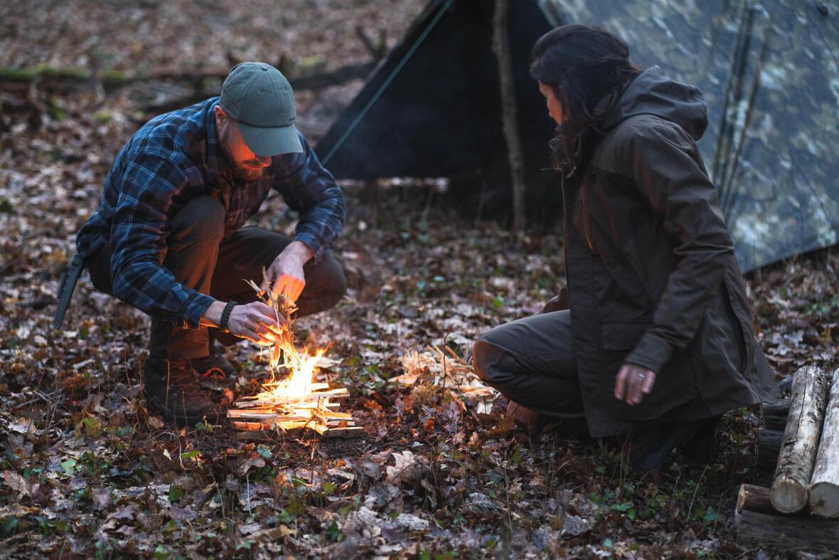 bushcraft camp feu