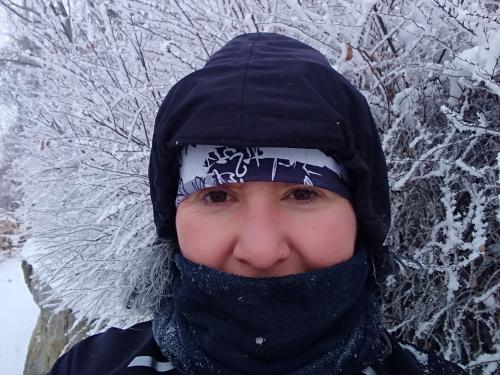 Murielle Chauviteau enneigée lors d'une course hivernale