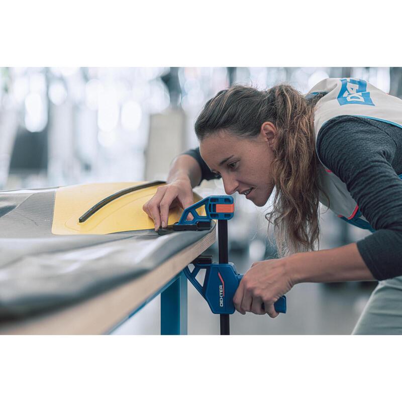 Réparation kayak en magasin
