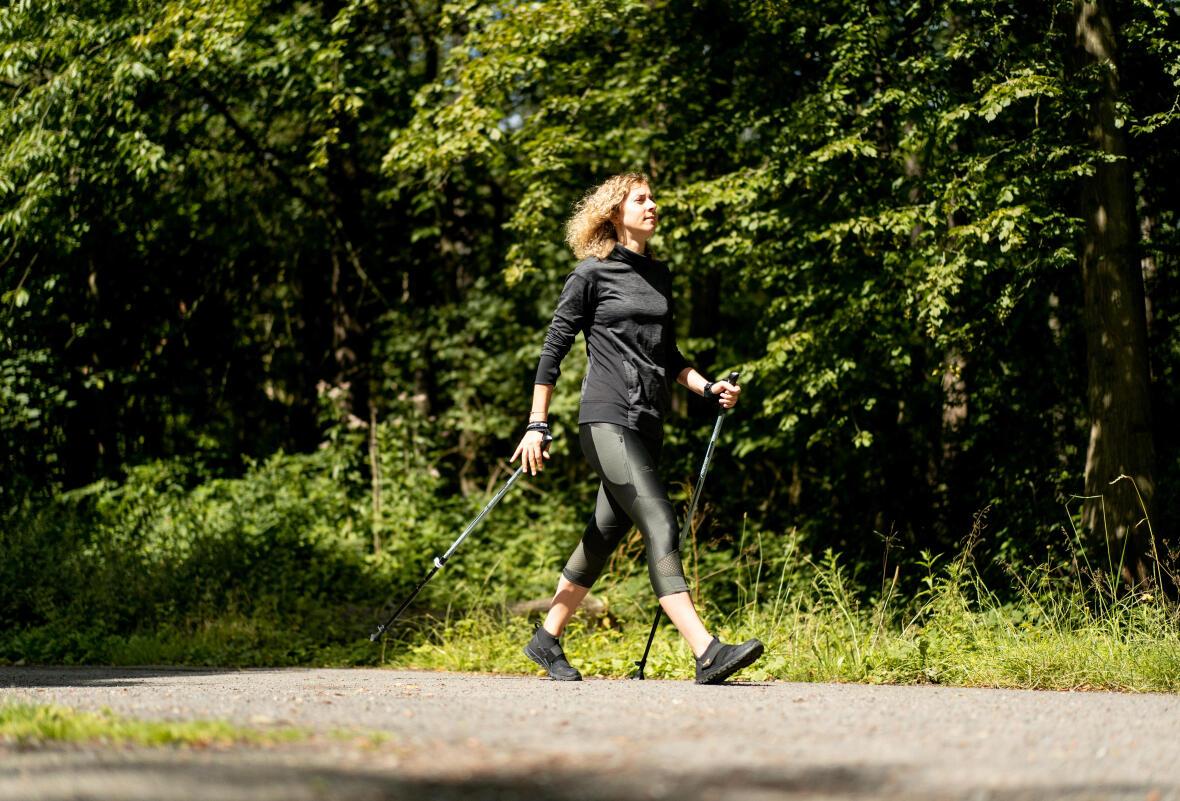 Nordic Walking sau mersul nordic: ce este, beneficii, antrenament