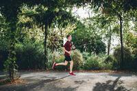 TEE SHIRT RUNNING HOMME RESPIRANT KALENJI DRY + ROUGE BORDEAUX