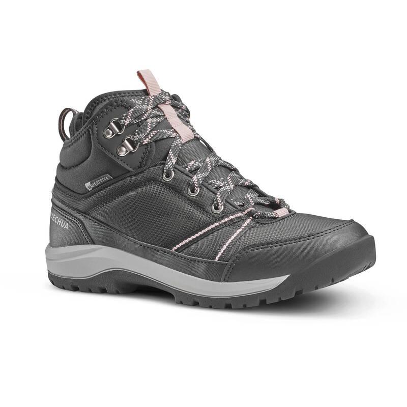 DÁMSKÉ BOTY NA NENÁROČNOU TURISTIKU Turistika - Nepromokavé boty NH 150 černé QUECHUA - Turistická obuv