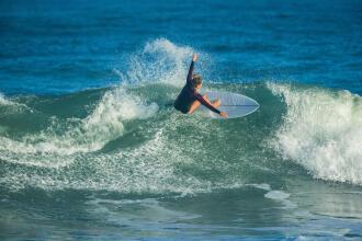 CUM SĂ ÎȚI ALEGI COARDA DE SURF