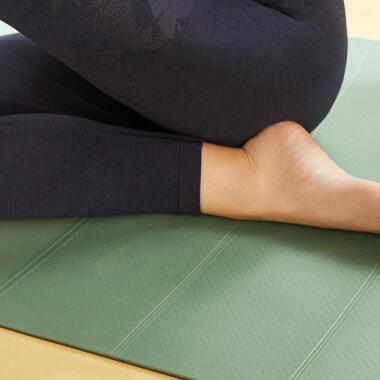 Intestazione tappetino yoga