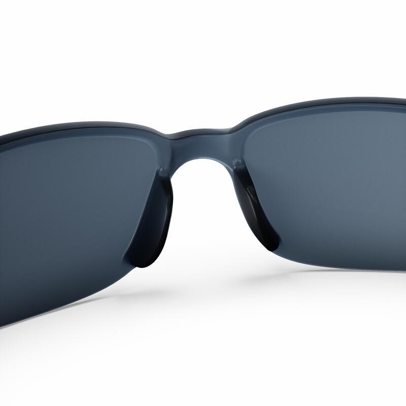 แว่นกันแดดสำหรับผู้ใหญ่ใส่เดินป่ารุ่น MH100 ประเภท 3
