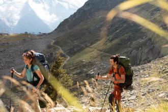 Cum să te echipezi corespunzător pe munte? - recomandări Salvamont