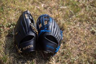 棒球|如何防止手套受潮與發霉