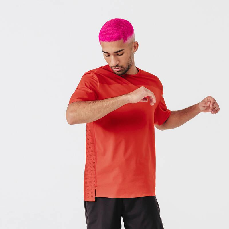PÁNSKÉ OBLEČENÍ NA JOGGING DO TEPLÉHO POČASÍ Běh - TRIČKO RUN DRY+ ČERVENÉ  KALENJI - Běžecké oblečení