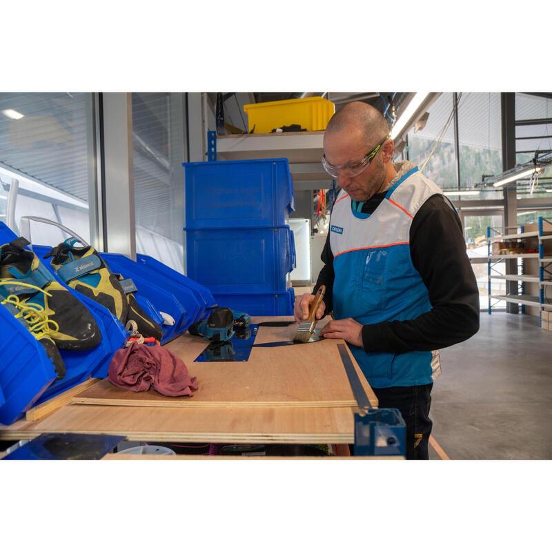 Réparation matériel escalade / alpinisme en magasin