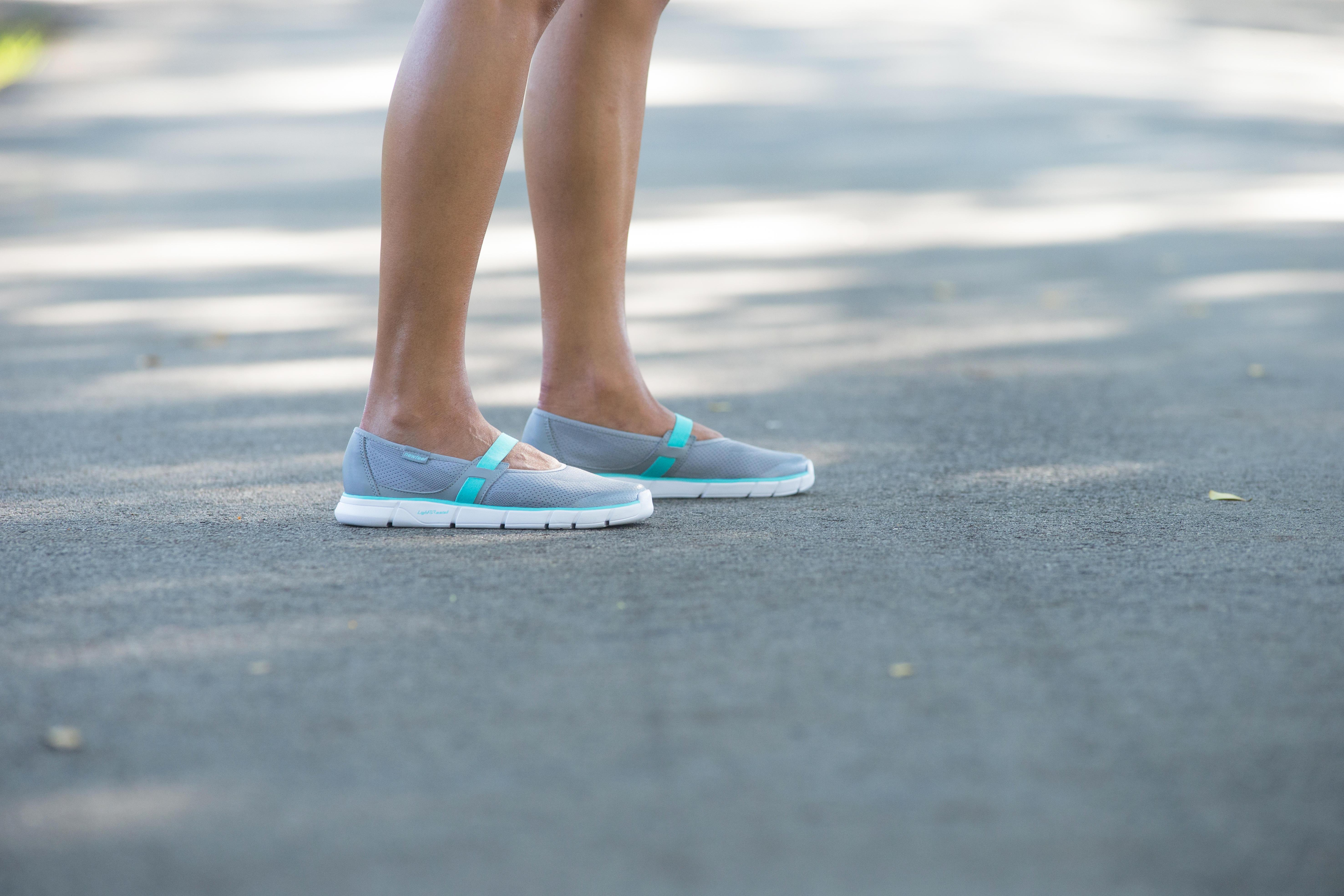 รองเท้าส้นเตี้ยผู้ห...