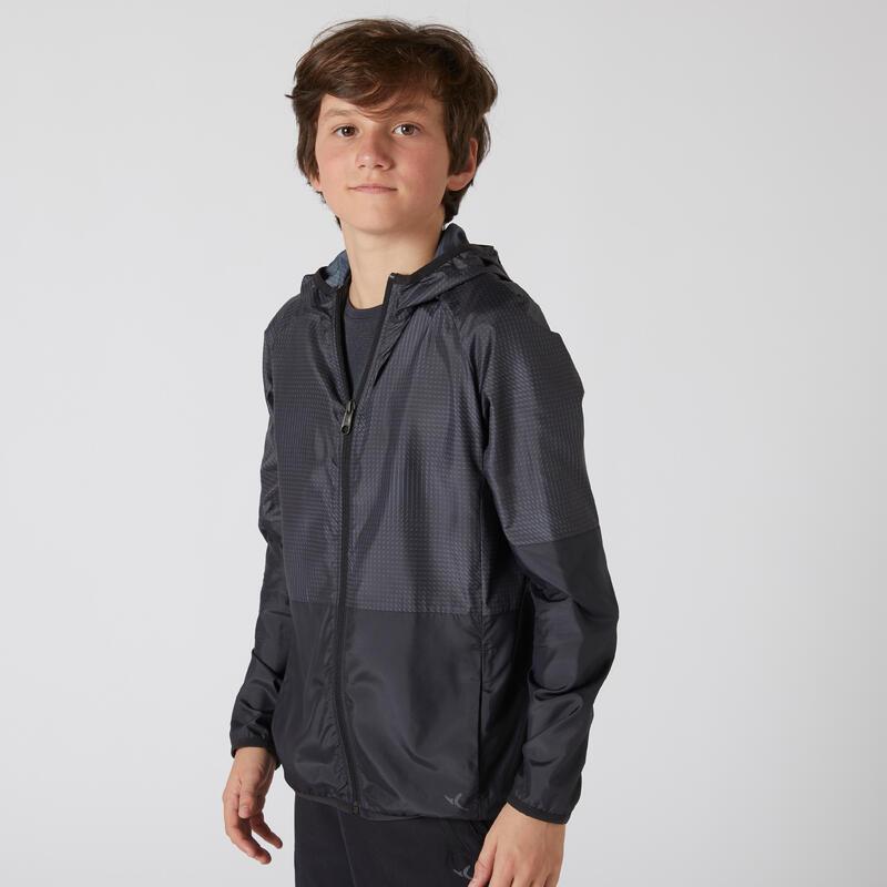 Sélection de vêtements sportswear filles et garçons
