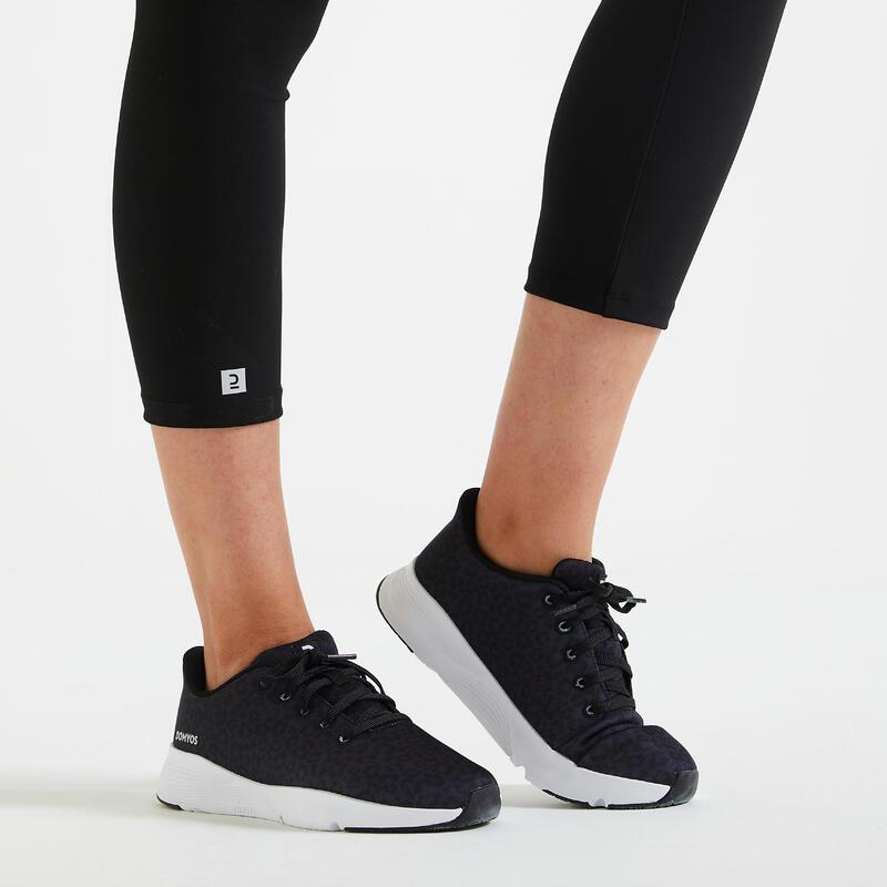 Zapatillas de fitness estampado leopardo 120 mujer.