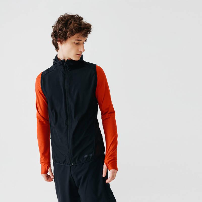 PÁNSKÉ OBLEČENÍ NA JOGGING DO VĚTRNÉHO POČASÍ Běh - BĚŽECKÁ VESTA RUN WIND  KALENJI - Běžecké oblečení