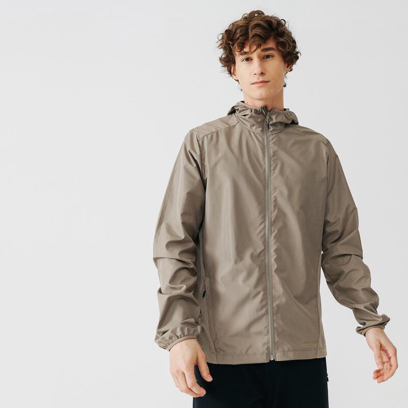 เสื้อแจ็คเก็ตกันลมขณะวิ่งสำหรับผู้ชายรุ่น RUN WIND (สีเบจ SANDY)