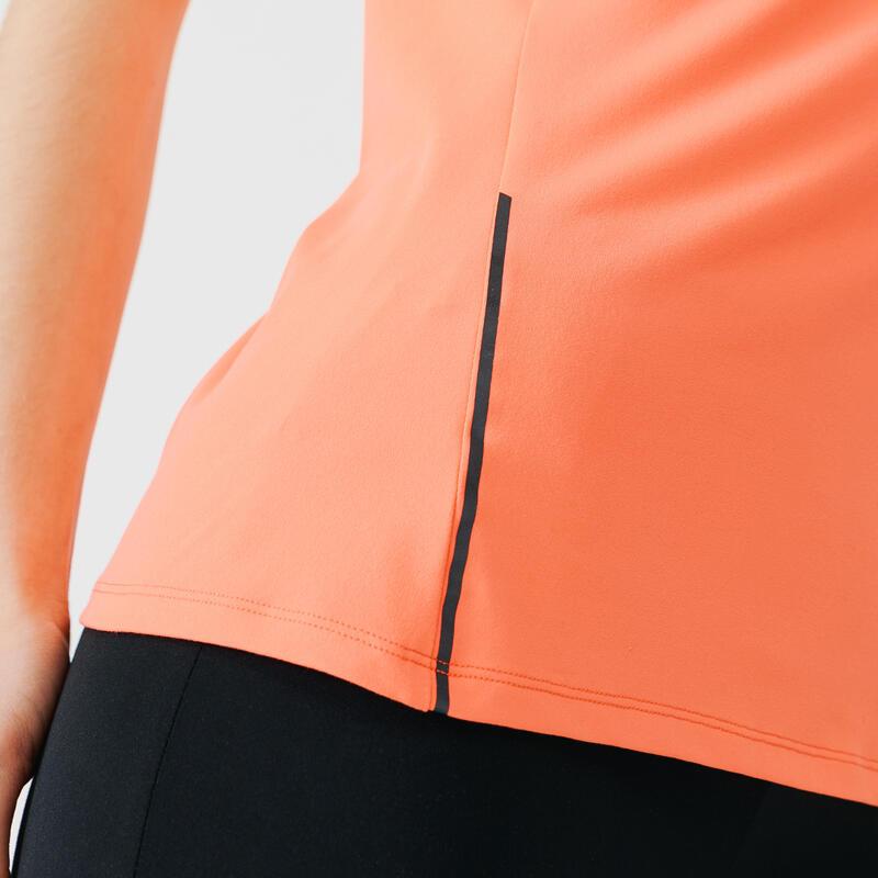 เสื้อยืดผู้หญิงสำหรับใส่วิ่งรุ่น RUN DRY + (สีส้ม Coral)